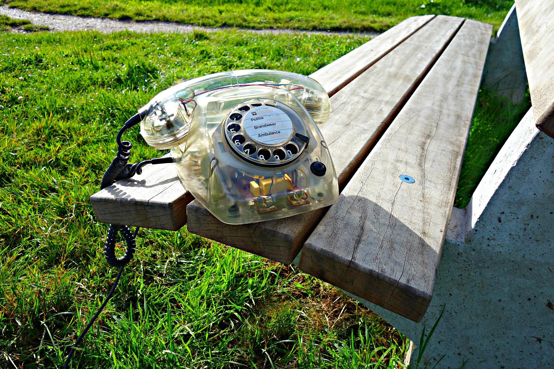 Photo d'un téléphone visant à illustrer un article sur la téléassistance