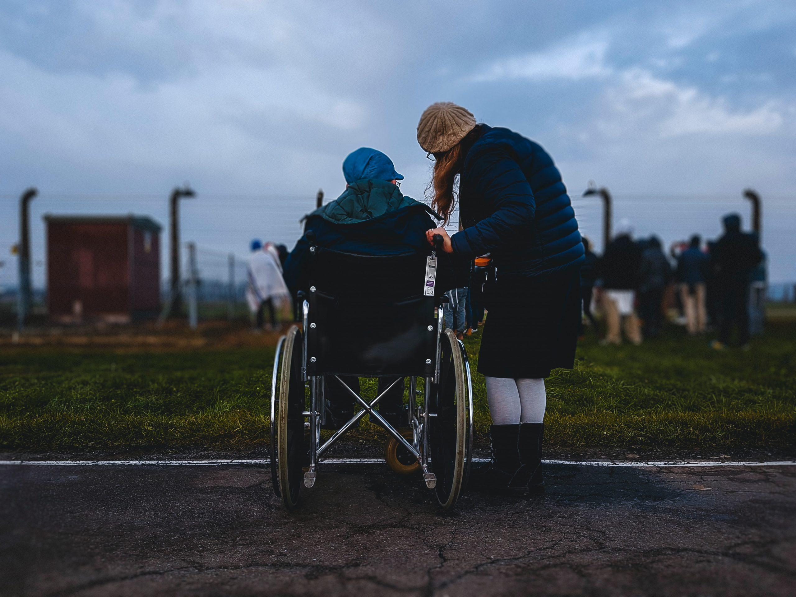 Photo d'une personne à mobilité réduite pour illustrer l'aide à domicile